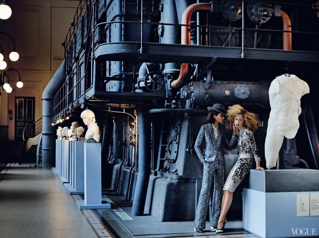 VOGUE USA - 2012 Photographer: Mario Testino Model: Raquel Zimmermann - Joan Smalls Stylist: Tonne Goodman Location: Rome - Italy