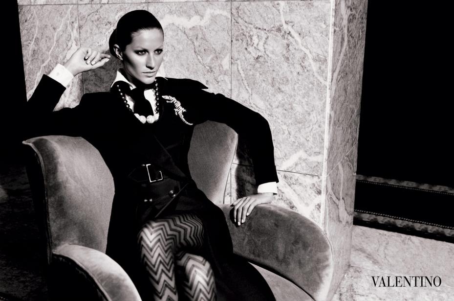 VALENTINO - F/W 2004 Photographer: Mario Testino Model: Gisele Bundchen Stylist: Joe McKenna Location: Rome - Italy