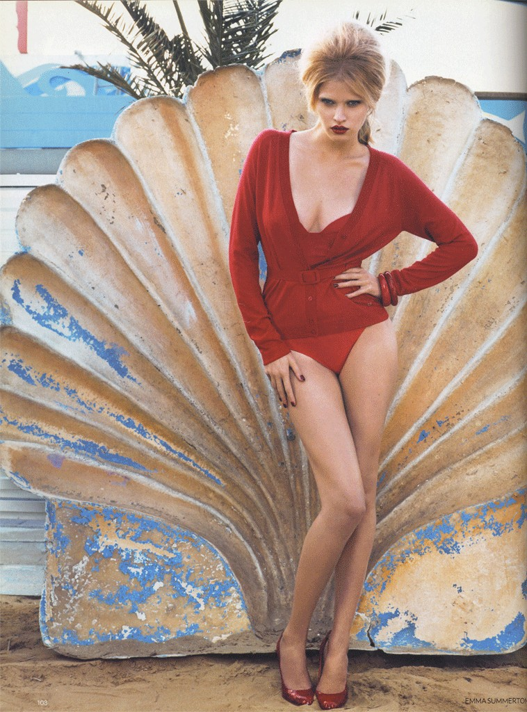 VOGUE UK - 2008 Photographer: Emma Summerton Model: Lara Stone Stylist: Kate Phelan Location: Rimini - Italy