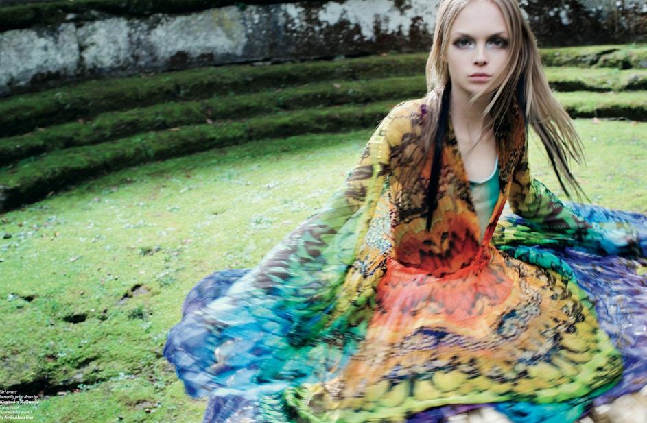 ANOTHER MAGAZINE - 2008 Photographer: Horst Diekgerdes Model: Meghan Collison - Siri Tollerod - Ali Michael Stylist: Katy England Location: Bomarzo - Italy